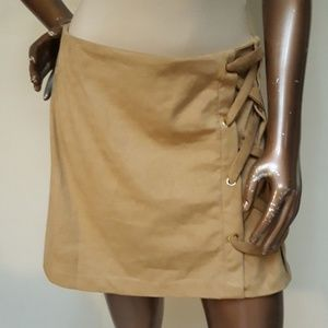 NWOT Kensie Faux Suede Braided Side Mini Skirt